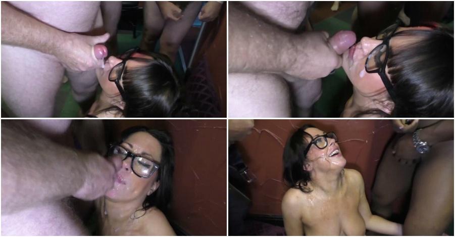 Women in bondage pics