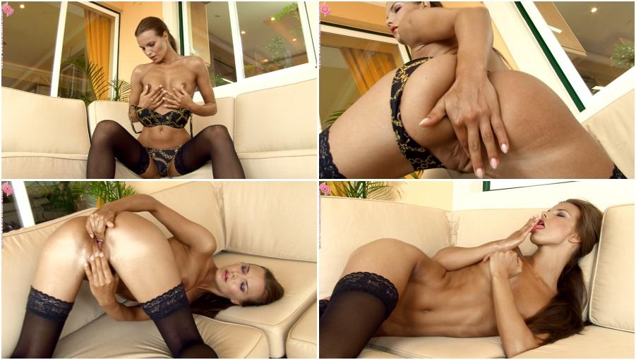 sexy naked boy butt
