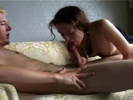 Sexy skinny body, amateur blowjob