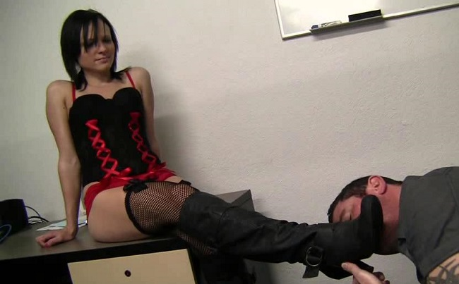 Boot licking and female domination fetish 003