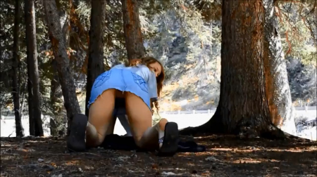 Outdoot porn video with teen girl