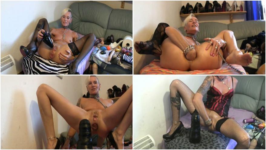 Jessica alba's bare ass