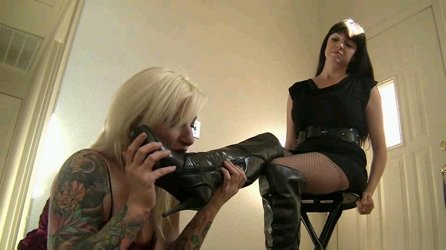 lesbian foot fetish video clips