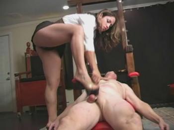 forum porno high heels ballbusting
