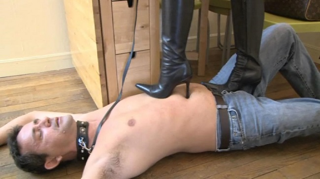 Boot licking and female domination fetish 005